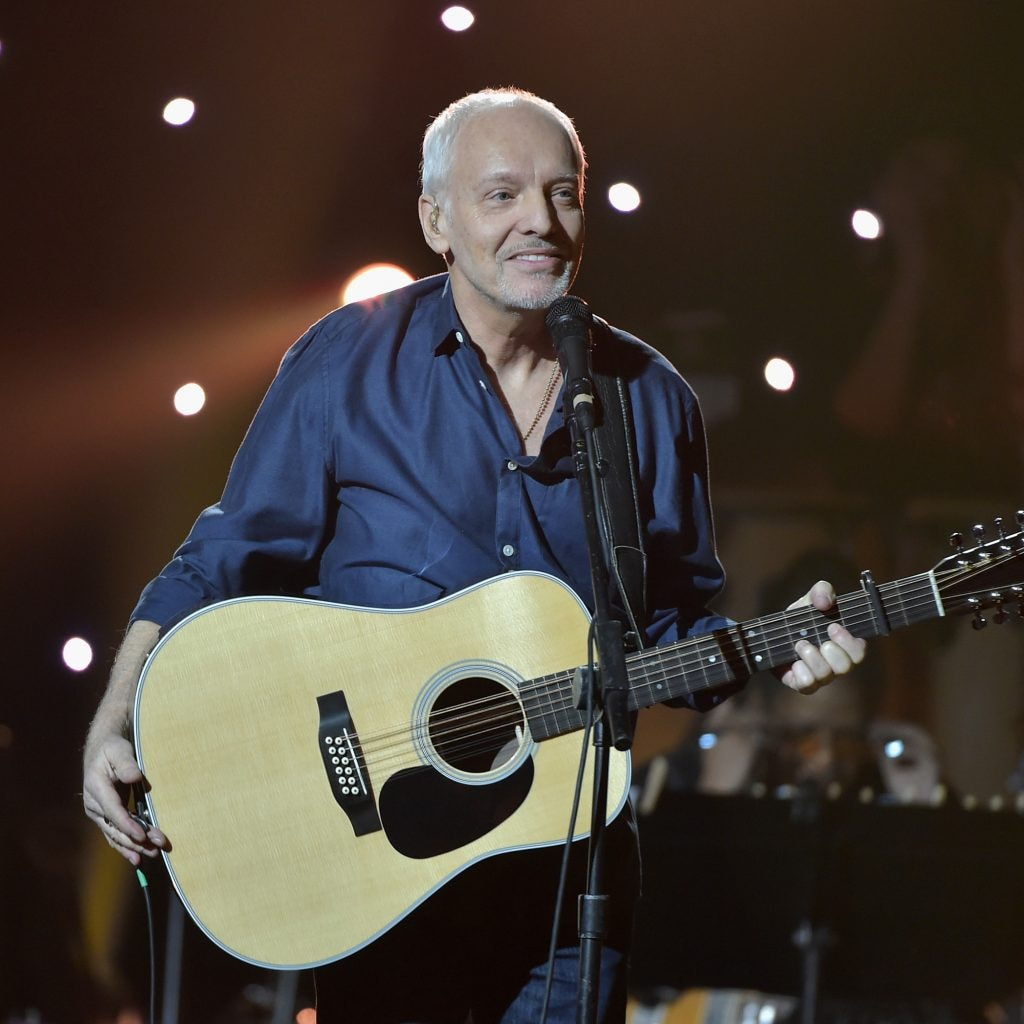 peter frampton issues apology regarding concert video screen incident. Black Bedroom Furniture Sets. Home Design Ideas