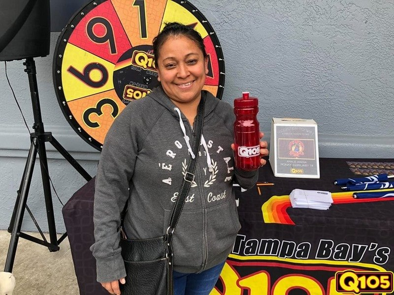 Rich Fields and the Q105 family enjoyed their time at Save-A-Lot on Sunday, February 3rd.